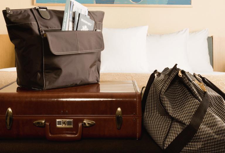 مضيفات الطيران تكشفن سر النوم أفضل على الطائرة 5