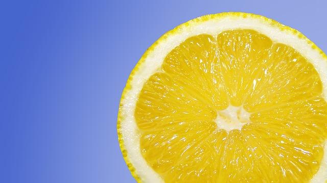 أفضل طريقة للحفاظ على الليمون طازج لشهر كامل 1