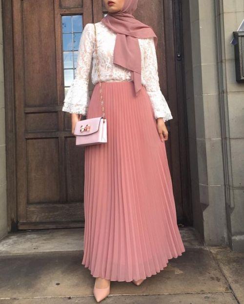 جيبة بتصميم جميل جداً واللون الوردي