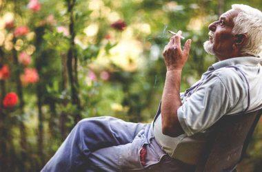 التدخين يزيد احتمال الإصابة بالخرف