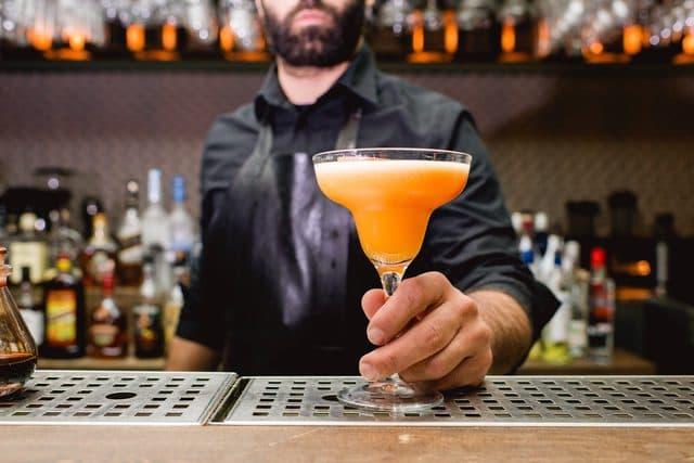 أطعمة تقتل الرغبة الجنسية لدى الرجل - الكحوليات