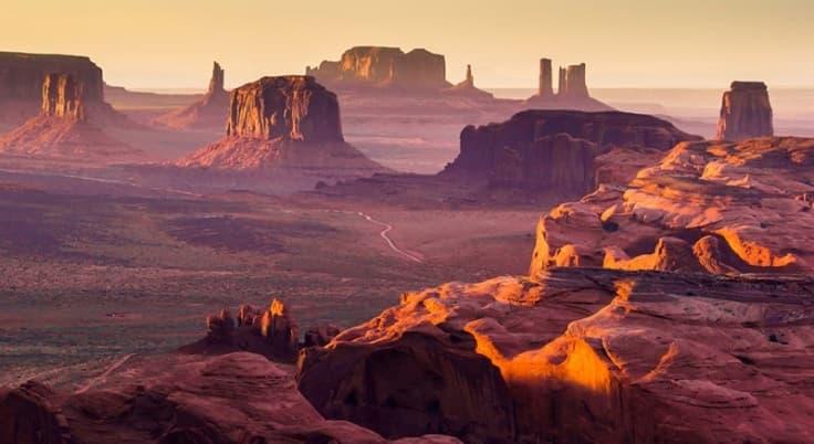 Monument Valley - أفضل 10 عجائب طبيعية في أمريكا